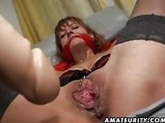 Inexperienced MUMMY gets her...