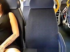 Mummy Vogliosa In Treno