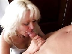 Mature aunt rails man rod on...