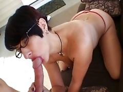 Sexy MUMMY gargles it good
