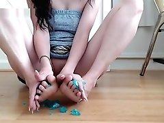 Squishing Slime Inbetween My Toes