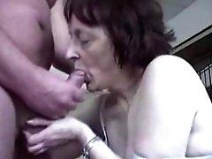 Erotic Granny Blowage