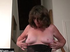 Usawives Horny Wifey On The...