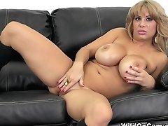 Horny Pornographic Star Alyssa...