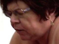 Thick Granny In Specs Uma Womba...